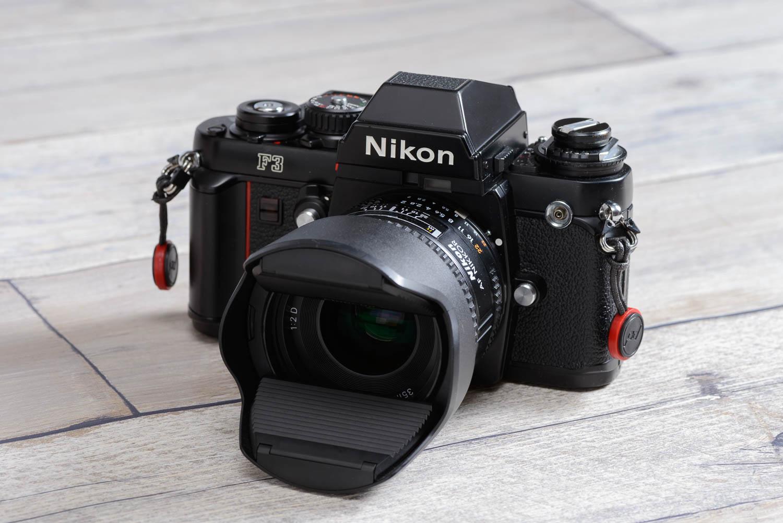 AF Nikkor 35mm f/2D + Nikon F3